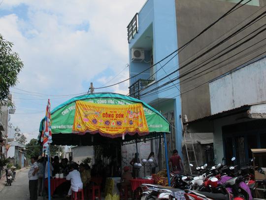 Truy lùng hung thủ giết bà chủ tiệm tạp hóa ở Sài Gòn - 1
