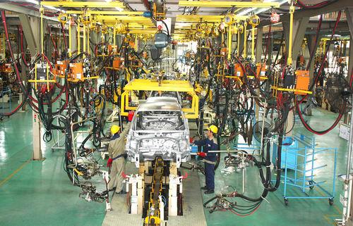 Bộ Công Thương: Sẽ tăng tỷ lệ nội địa hóa ô tô thêm nữa - 1