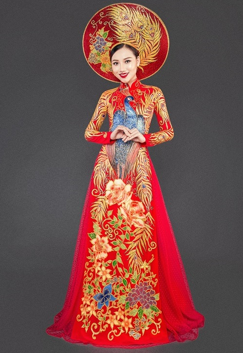 Mỹ nữ thi Hoa hậu châu Á khoe áo dài chim công lộng lẫy - 1