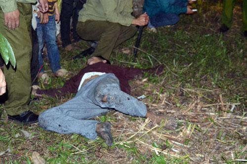 Thanh niên, già làng tung tăng chân trần lao vào lửa đỏ - 14