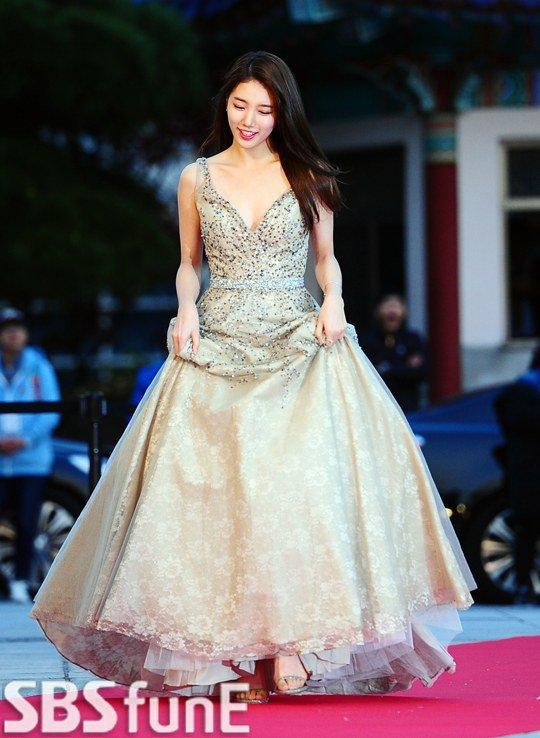 Chi Pu xinh như công chúa, được báo Hàn hết lời ca ngợi - 8
