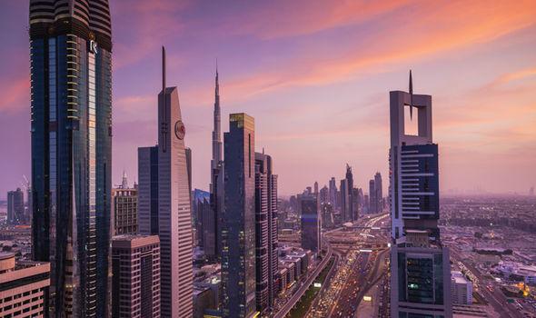 UAE: Du khách bị cưỡng hiếp, báo cảnh sát còn bị bắt giữ - 1