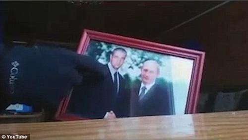 """Nga: Cặp thiếu niên """"live"""" cảnh đấu súng với cảnh sát rồi tự tử - 3"""