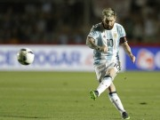 Bóng đá - Messi đá phạt siêu đẳng, Argentina bùng nổ