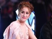 """Đời sống Showbiz - Khánh Thi lên tiếng khi bị phụ huynh tố là """"máy bào tiền"""""""