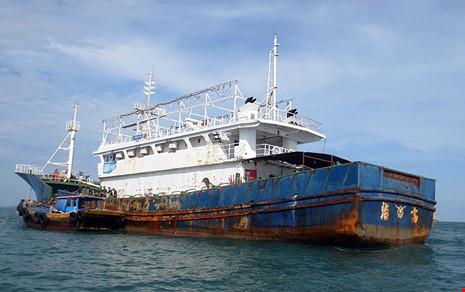 Làm rõ con tàu Trung Quốc bí ẩn trôi trên biển - 8