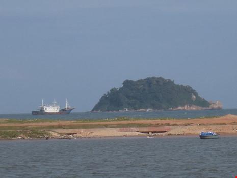 Làm rõ con tàu Trung Quốc bí ẩn trôi trên biển - 9