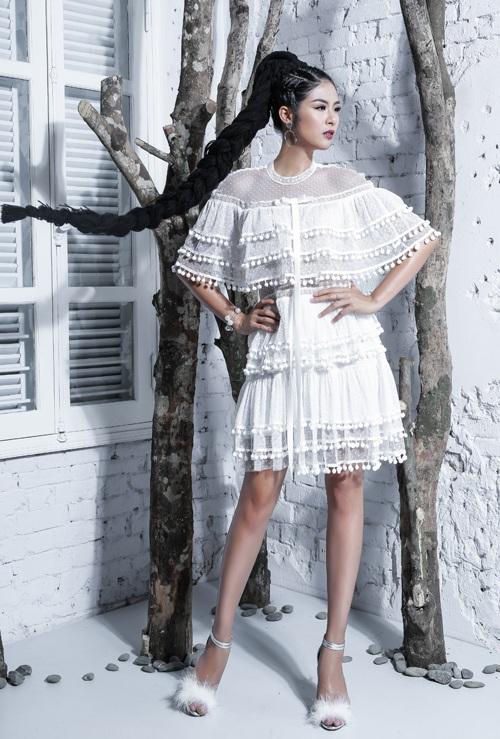 Ngọc Hân, Thúy Vân khoe dáng vệ nữ với ren voan xuyên thấu - 9