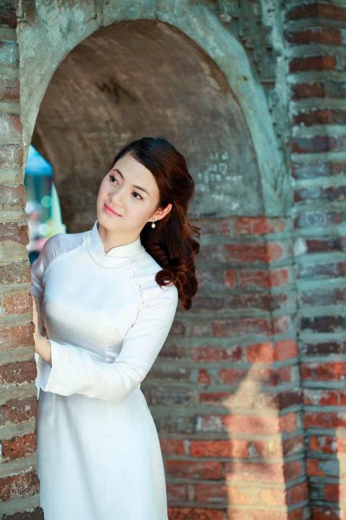 Bất ngờ với bà mẹ 2 con trẻ đẹp như gái 18 ở Hà Nội - 1