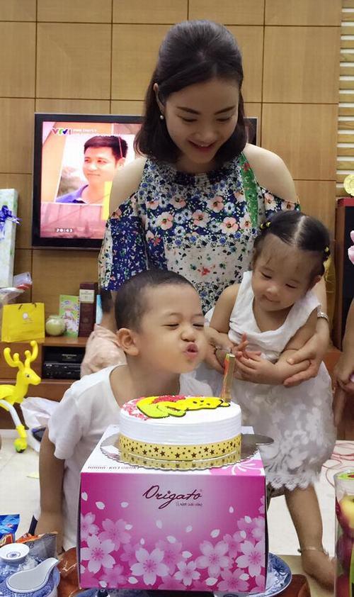 Bất ngờ với bà mẹ 2 con trẻ đẹp như gái 18 ở Hà Nội - 4