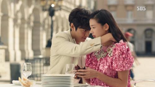 Vừa ra mắt, phim của Lee Min Ho đã vượt Hậu duệ mặt trời - 5