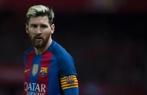 """Messi lương gấp đôi """"tỷ phú"""" Ronaldo: Barca lo sụp đổ - 1"""