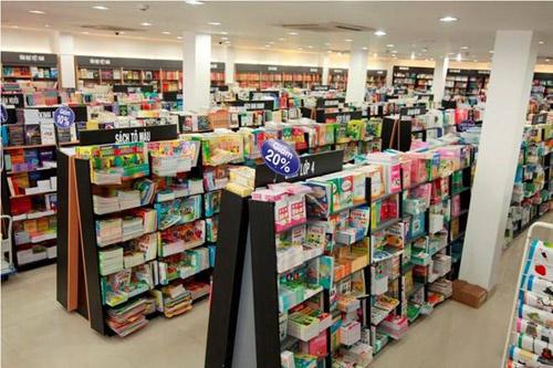 Tưng bừng khai trương nhà sách Nhân Văn Quận 9 - 3