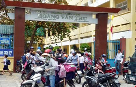 Đà Nẵng mở toang trường học vào ban đêm - 1