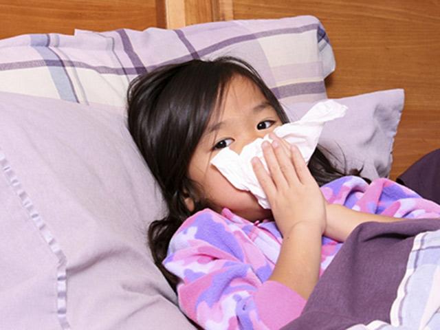 """Viêm đường hô hấp: """"Nỗi sợ"""" mùa đông của mẹ và bé! - 1"""