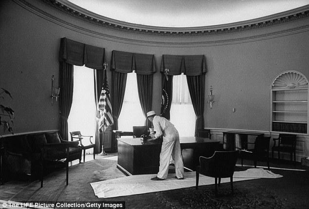 Trump sẽ phải ngồi ngoài Nhà Trắng ít nhất 1 năm? - 3