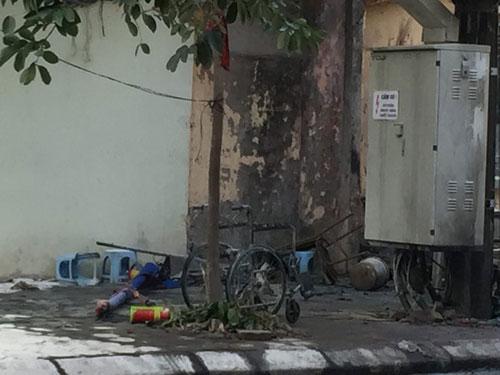Bốt điện nổ lớn ở Hà Đông, nhiều người bỏng nặng - 2