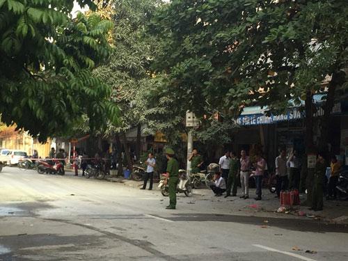 Bốt điện nổ lớn ở Hà Đông, nhiều người bỏng nặng - 3