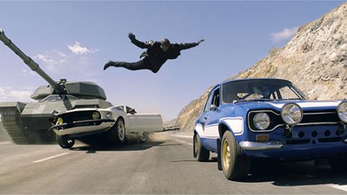"""Cảnh rượt đuổi ô tô """"đặc sản"""" trong phim Hollywood - 2"""