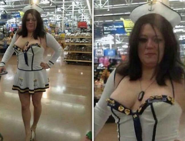 """Ở siêu thị cũng có  """" thuyền """"  để lái sao?"""