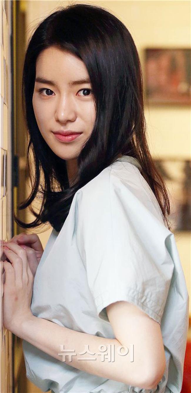 Ji-Yeon Lim Nude Photos 45