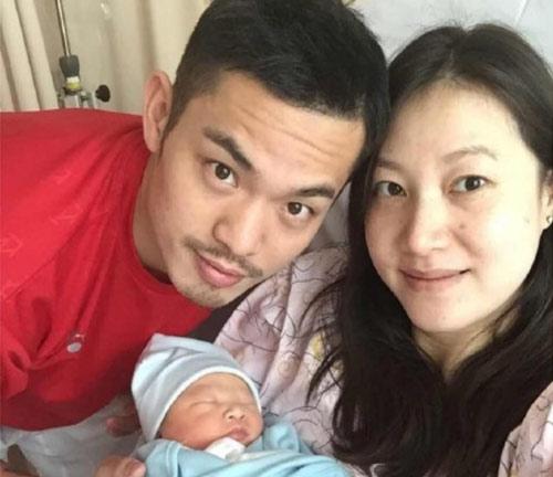 """Sốc: """"Ăn chả"""" lúc vợ mang bầu, Lin Dan cúi mặt xin lỗi - 2"""