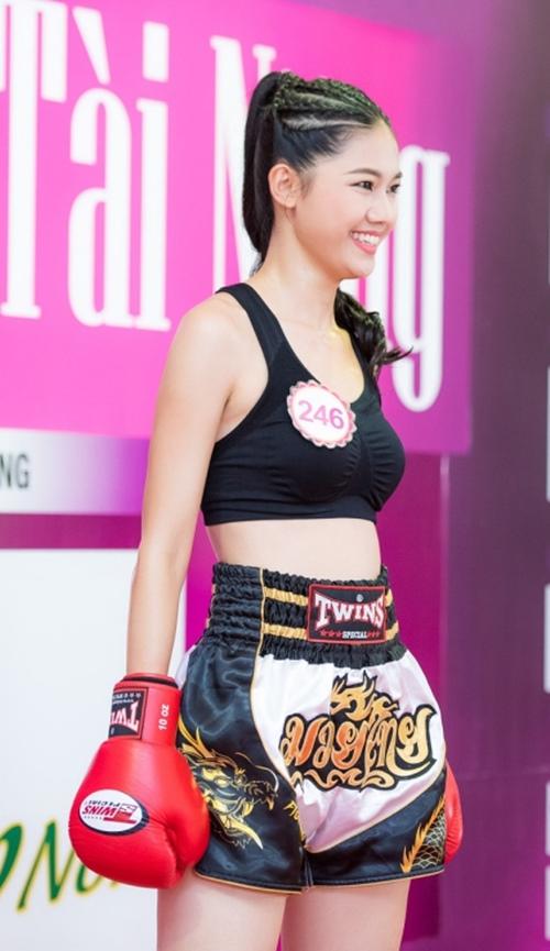 Á hậu Thanh Tú tập boxing như con trai để giảm cân - 1