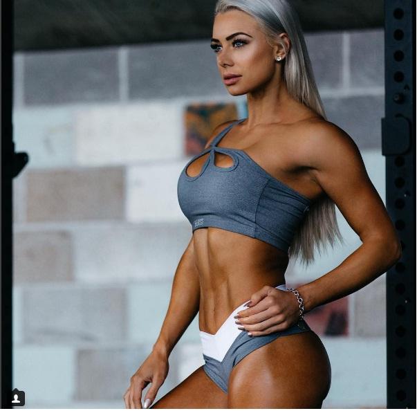 """Sắc vóc đẹp hơn """"hoạt hình 3D"""" của mỹ nữ Úc mê gym - 1"""