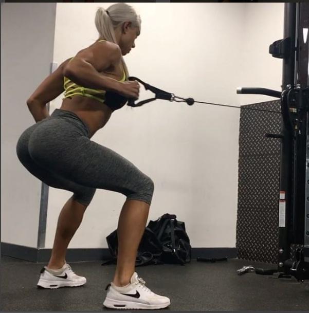 """Sắc vóc đẹp hơn """"hoạt hình 3D"""" của mỹ nữ Úc mê gym - 2"""