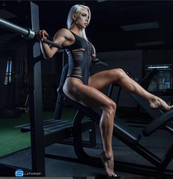"""Sắc vóc đẹp hơn """"hoạt hình 3D"""" của mỹ nữ Úc mê gym - 8"""