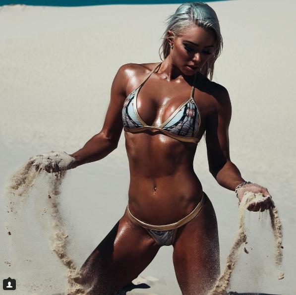 """Sắc vóc đẹp hơn """"hoạt hình 3D"""" của mỹ nữ Úc mê gym - 11"""
