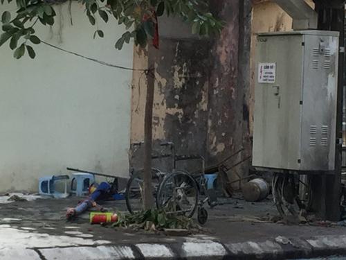 Vụ nổ bốt điện: 2 vợ chồng chủ quán nước nguy kịch - 1