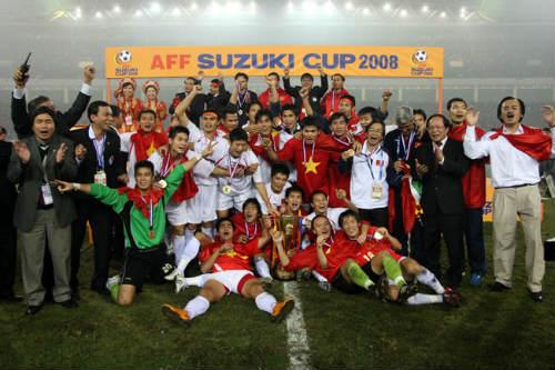 Công Vinh và 10 bàn thắng đẹp nhất lịch sử AFF Cup - 8