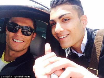 """""""Gần mực"""", J.Rodriguez đang nhiễm thói xấu của Ronaldo - 4"""