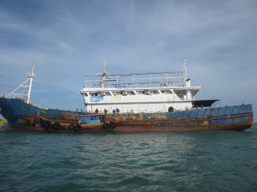 """Xác định danh tính """"tàu ma"""" trôi trên biển Bình Thuận - 1"""