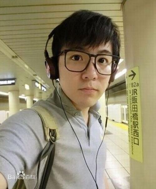 """29 tuổi, cuối cùng """"cậu bé Tam Mao"""" đã mọc tóc - 5"""