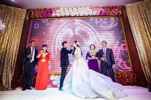 Dàn siêu xe 50 tỷ trong lễ cưới người đẹp và đại gia Hạ Long - 12