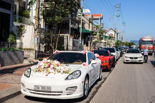 Dàn siêu xe 50 tỷ trong lễ cưới người đẹp và đại gia Hạ Long - 6