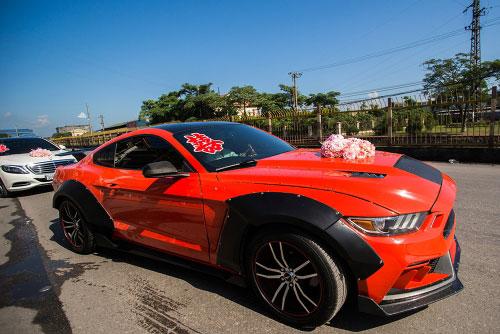 Dàn siêu xe 50 tỷ trong lễ cưới người đẹp và đại gia Hạ Long - 7