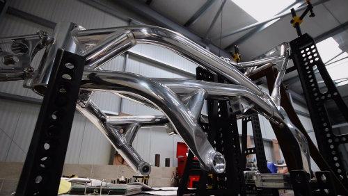 Mổ xẻ siêu môtô Norton V4 RR giá chát 780 triệu đồng - 6