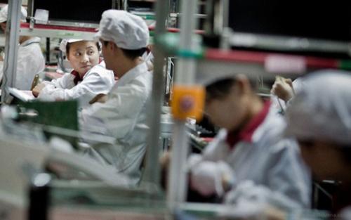 """Apple cân nhắc di chuyển nhà máy sản xuất iPhone về """"đất mẹ"""" - 2"""