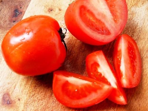 Bữa trưa ngon miệng với món cá hồng sốt cà chua - 2