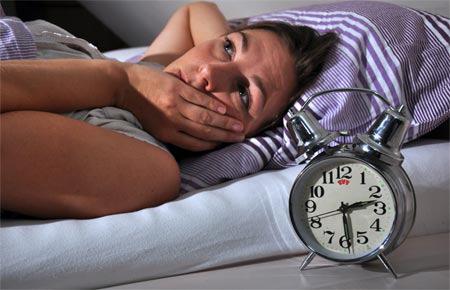 """Mất ngủ ở phụ nữ sau 35: Bạn đã biết cách """"hóa giải"""" hiệu quả - 1"""