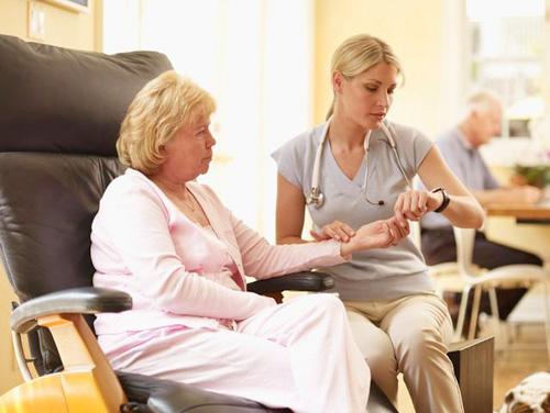 Chứng mất ngủ ở người cao huyết áp: Phải trị đúng cách - 2