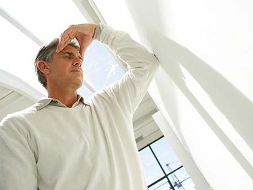 Chứng mất ngủ ở người cao huyết áp: Phải trị đúng cách - 1