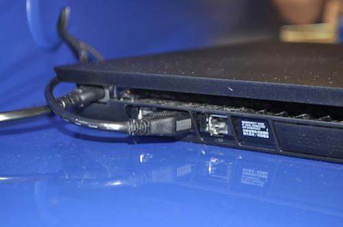 Ảnh thực tế máy chơi game PlayStation 4 mới và tay cầm không dây - 2