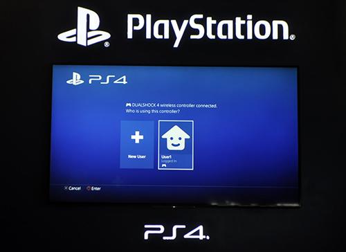 Ảnh thực tế máy chơi game PlayStation 4 mới và tay cầm không dây - 6