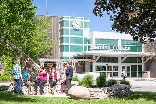 Du học Canada không chứng minh tài chính – tặng phí visa trị giá 185$. - 2