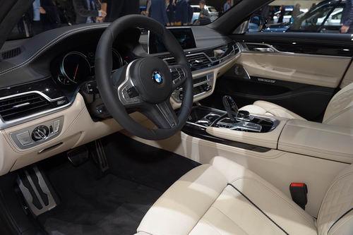 BMW M760Li: Siêu sedan 600 mã lực - 5