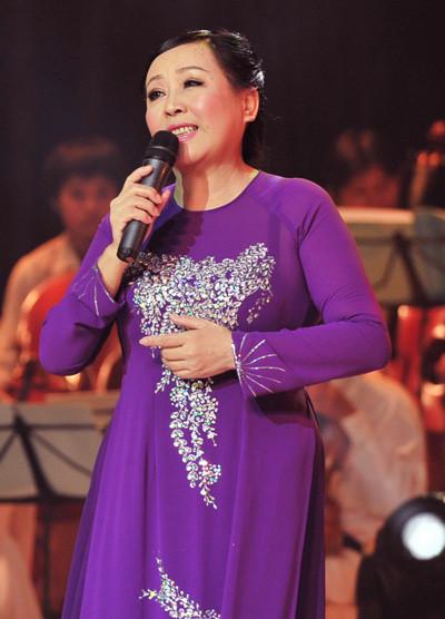 Sao Việt sung sướng khi được hát cùng thầy cô - 3